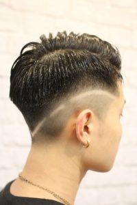 ライン入りソフトフェードヘアスタイル